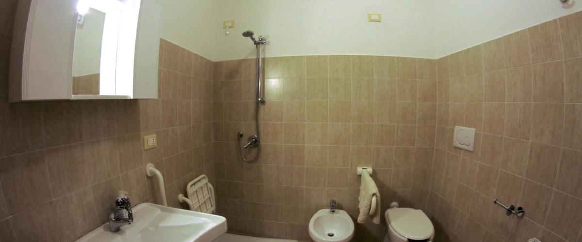 bagno camera agriturismo